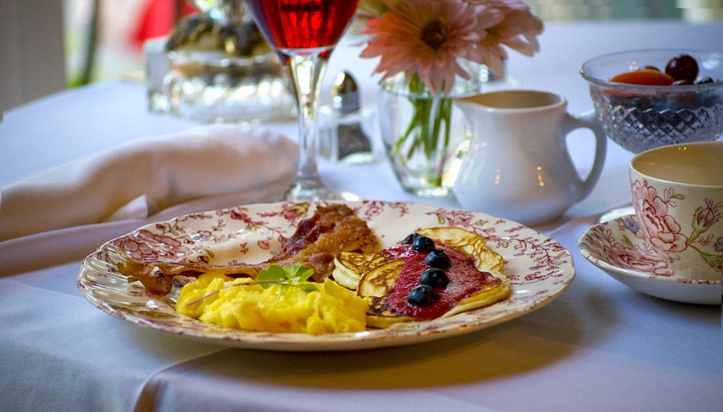 breakfast-of-bacon-and-eggs-1323515